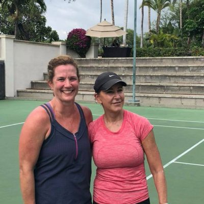 Coleen Giniel with Chrissy Evert on tennis court